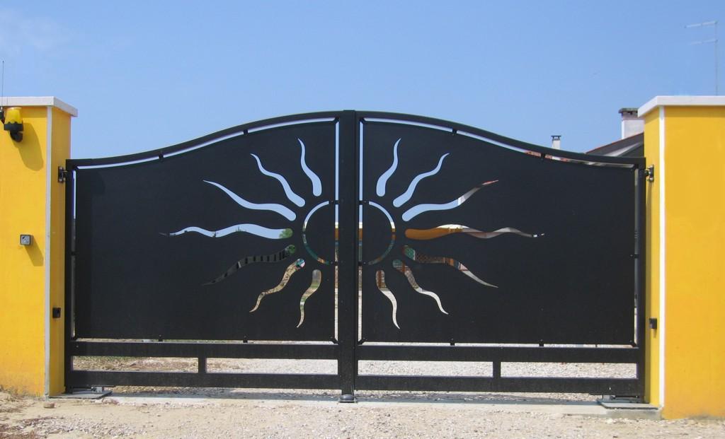 Cancelli in ferro scorrevoli e a battente in sardegna for Cancello scorrevole moderno